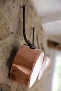 Les Chardonnerets detail casseroles